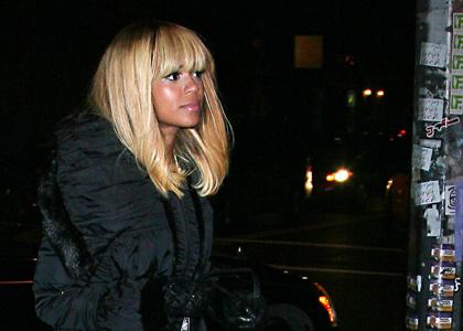 beyonce-la-esquina-blonde.jpg