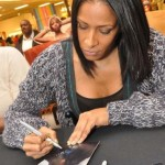 Sheree Whitfield signs autographs at South Dekalb Mall
