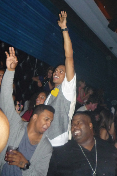0828_chris_brown_club_00
