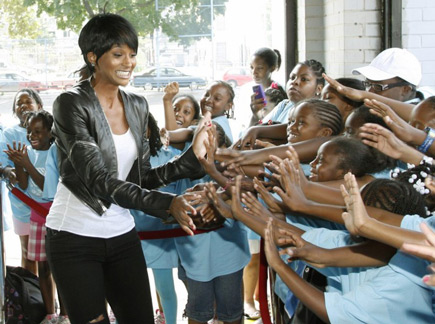 ciara-gives-back-3