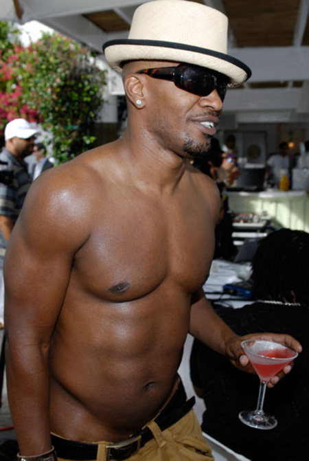 Jamie Foxx broadcasts his SIRIUS Foxxhole radio show poolside in Miami as he spends the weekend in town celebrating his 40th birthday on December 14, 2007 in Miami Beach, Florida.