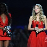 MTV VMAs 2009 ~ Beyonce Steps Back to let Taylor Swift Shine