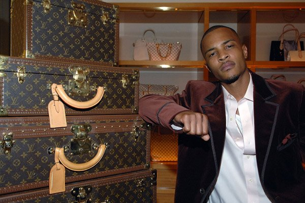 T.I. ~ Louis Vuitton Store (Atlanta)
