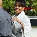 Quick Flix: Janet Jackson (& Her New Doo) Signing Autographs…