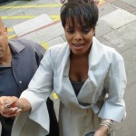 Quick Flix: Janet Jackson (& Her New Doo) Signing Autographs…