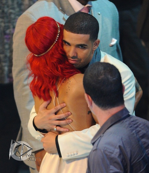 Rihanna and Drake reunited Drake Kissing Rihanna