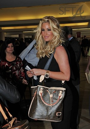 Kim+Zolciak+makes+people+smile+u-ZSGpCnorKl