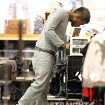 Usher-Shopping-For-Sons-in-Diesel-5