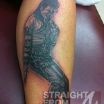 Da Brat Inks Tatt in Honor of Michael Jackson… [PHOTOS]