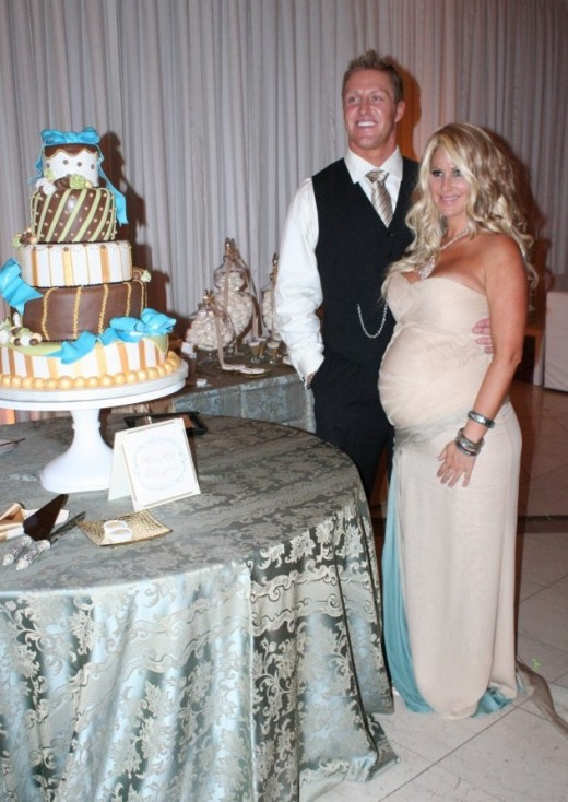 Kim Zolciak's Baby Shower + Sneak Peek of Kim & Kroy's SEXY Derek