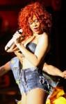Rihanna-booty-shorts