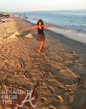 Jennifer Hudson Beach | 300 x 379 jpeg 45kB