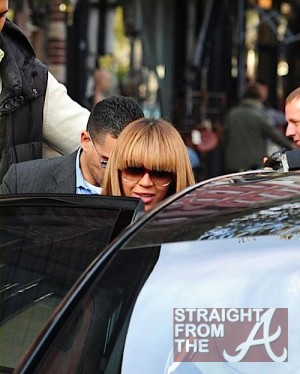 Beyonce Baby Bump 102311-3