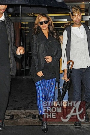 Beyonce Baby Bump NYC 112911-1