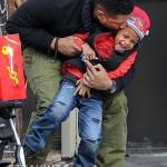 Usher Raymond Stroll NYC 112011-1