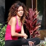Rihanna Blunt Hawaii-10