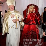 Nicki Minaj and Pope Grammys 2012-5