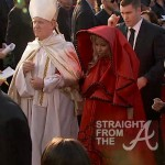 Nicki Minaj and Pope Grammys 2012-8