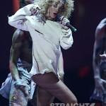 Rihanna+BRIT+Awards+2012+Show+-av-YPrieCwl