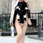NEWSFLASH! Beyonce's Baby Wears Golden Slippers… [PHOTOS]