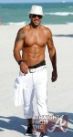 Shemar Moore Beach Body 050212-16