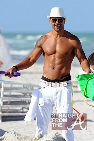Shemar Moore Beach Body 050212-9