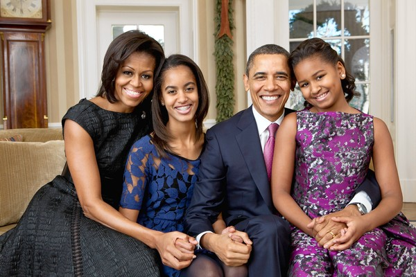 ObamaFamilyPortrait12-11Souza_600.jpg