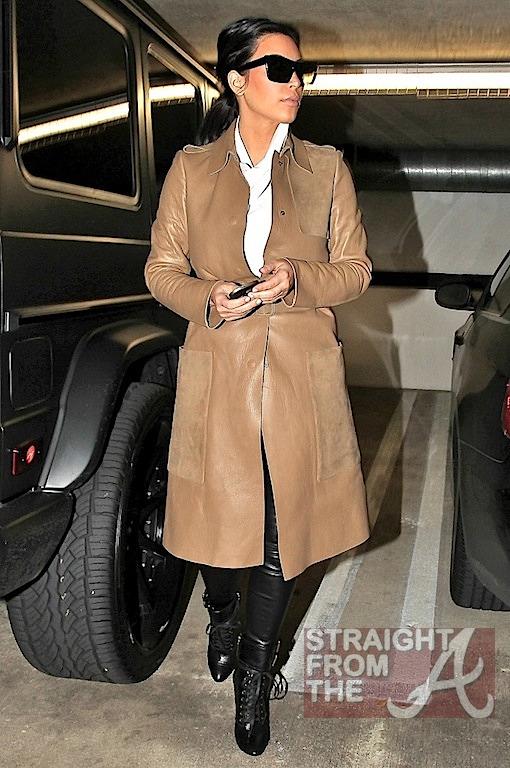Kim Kardashian Pregnant-7