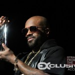 Jermaine Dupri Holds Award From Executive Entertainment Commission of Atlanta