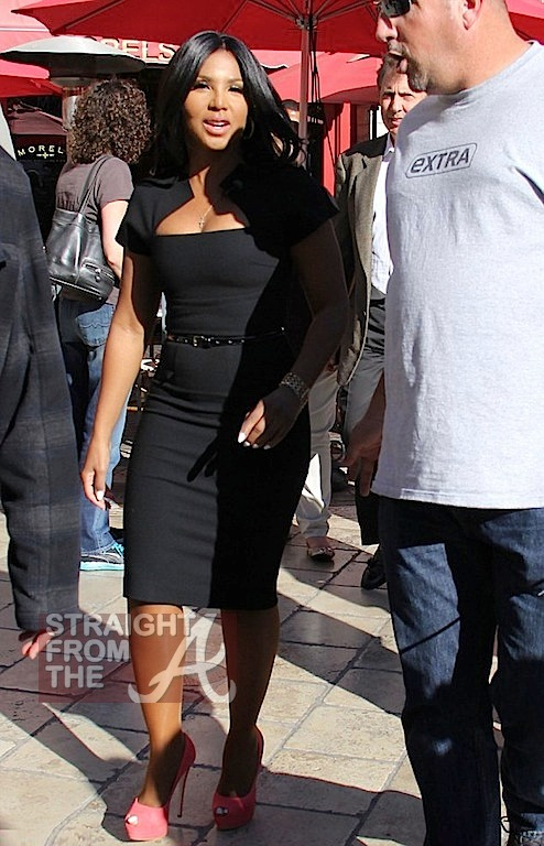 Toni Braxton on 'Extra' with Mario Lopez -11