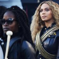 Beyonce Super Bowl 50-17
